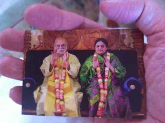 AmmaBhagavan i handen