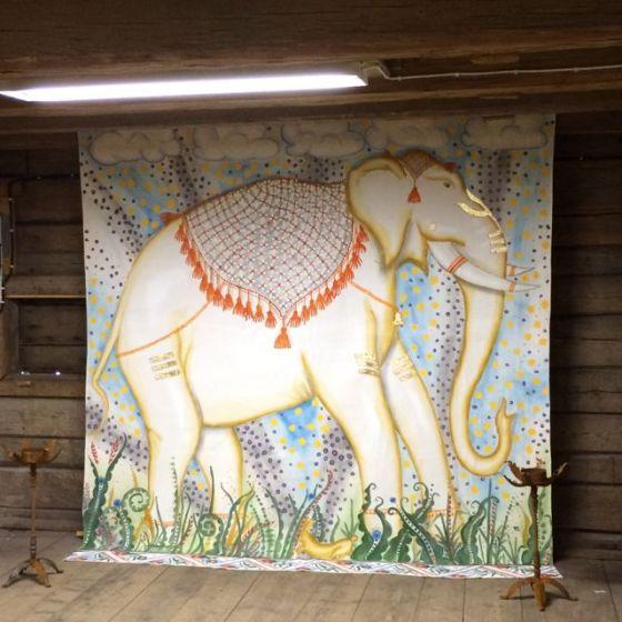 hela Vit-elefant