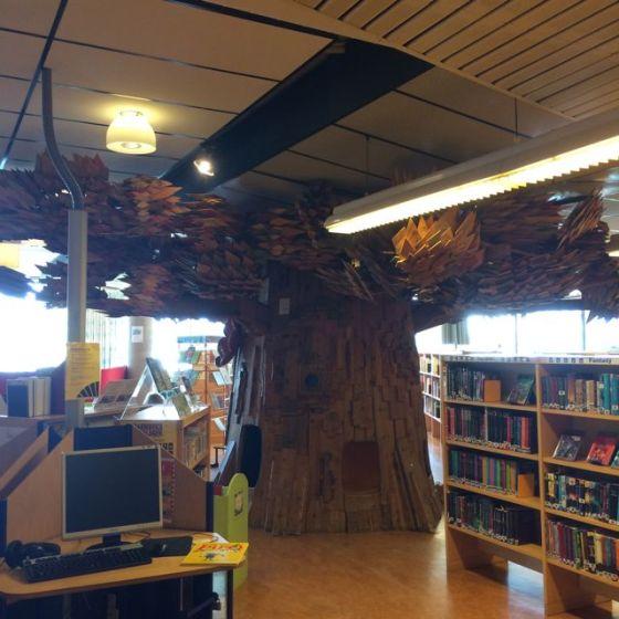 Motala Stadsbibliotek, trädaet