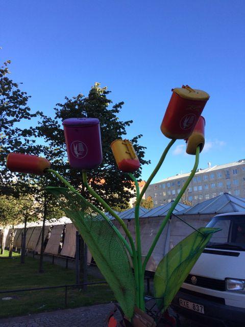 blommiga papperskorgar