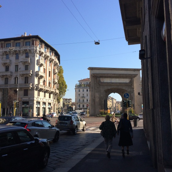 Gata, Milano, triumfbåge