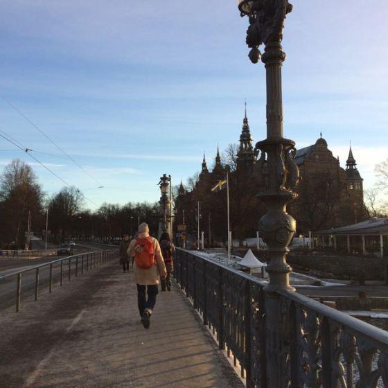 Rurik vandrar över Djurgårdsbron