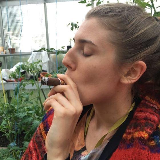 Ella o cigarr