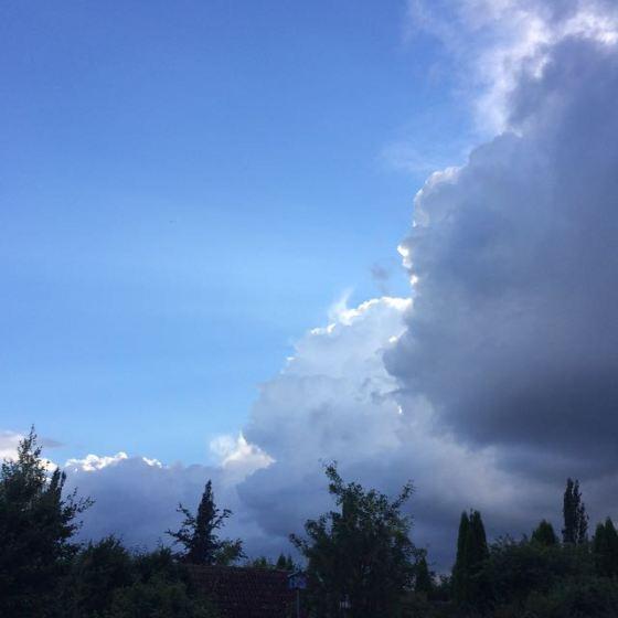 mörka moln