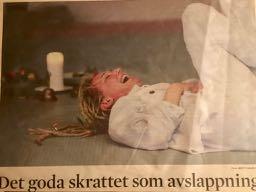 tidningsurklipp från Båstad. Skratt Yoga