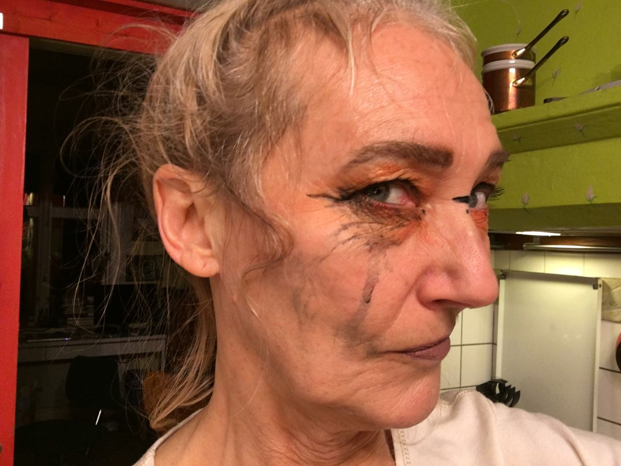 make up med karaktär