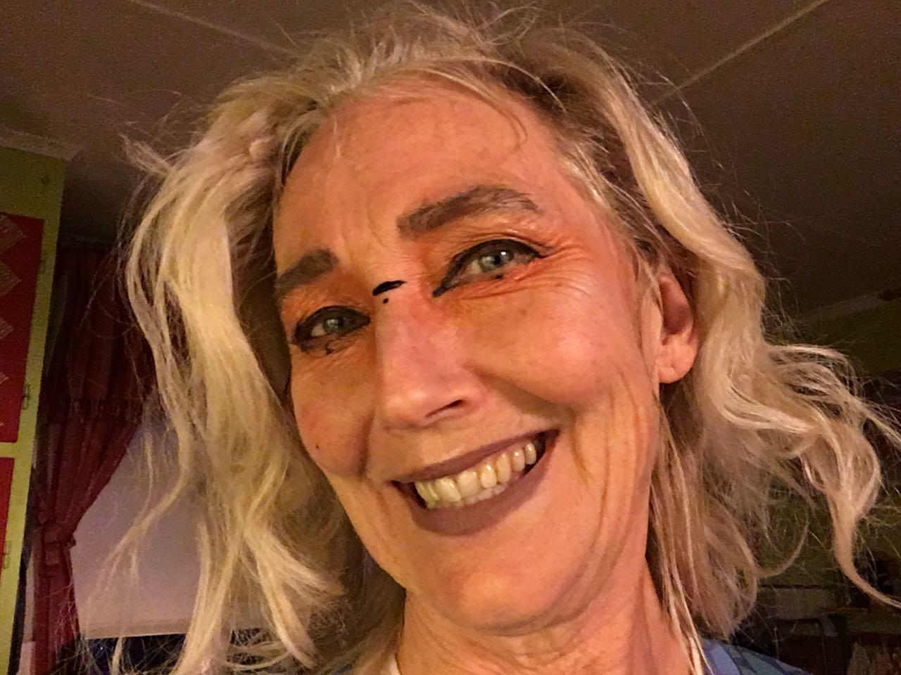 make up-ad Ganga. Ovanligt
