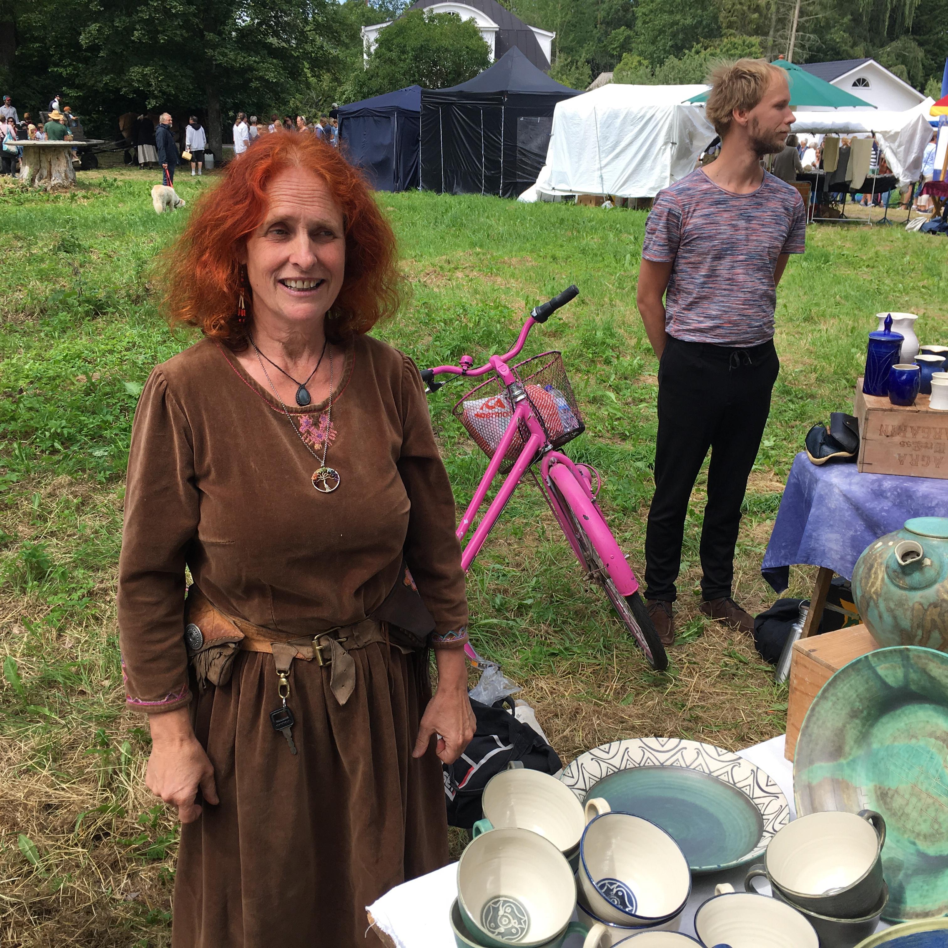 Karin Langhart, Heda marknad