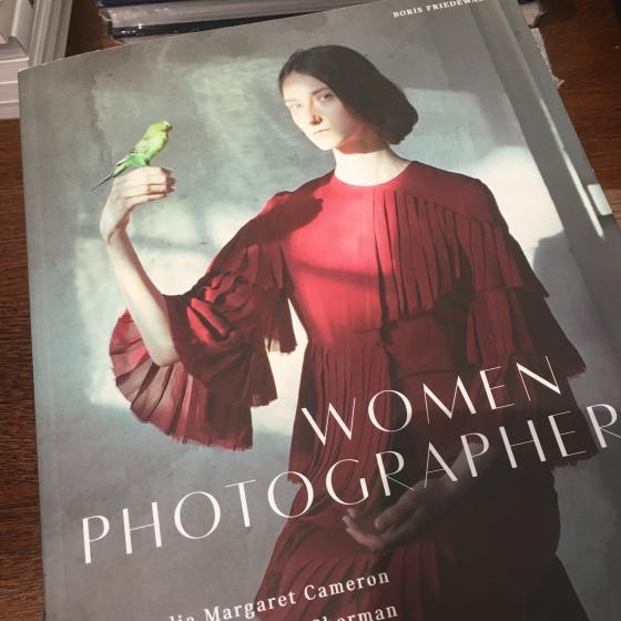 Bok om kvinnliga fotografer