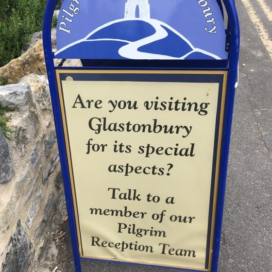 Skylt turistbyrå, Glastonbury